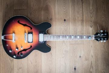 Halbakustik e-Gitarre - e-gitarrenguru.de