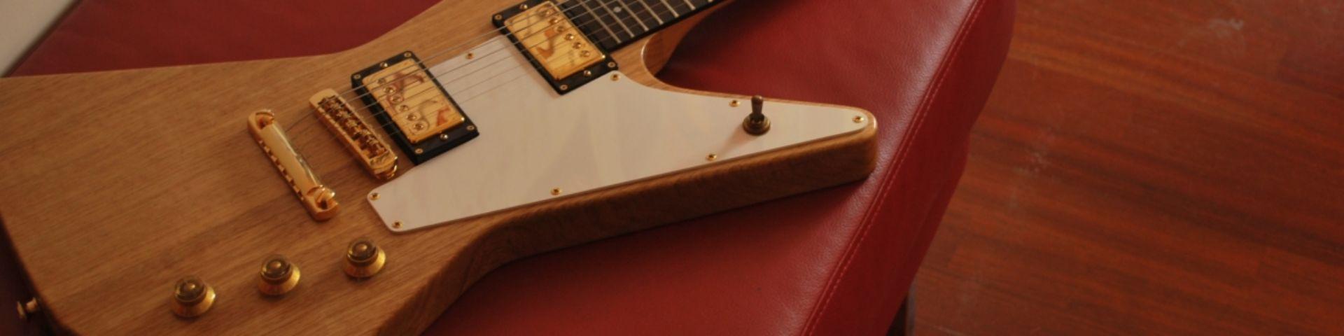 Gibson Explorer - E-Gitarrenguru.de